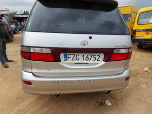 Toyota Previa 2002 2.4 Linea Terra White   Cars for sale in Lagos State, Ogba