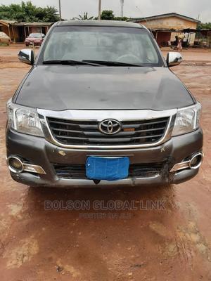Toyota Hilux 2008 2.7 VVTi 4x4 SRX Gray | Cars for sale in Lagos State, Ojodu