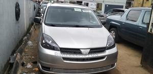 Toyota Sienna 2004 LE FWD (3.3L V6 5A) Silver | Cars for sale in Lagos State, Isolo