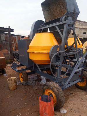 Foreign Used Crane Concrete Mixer | Heavy Equipment for sale in Abuja (FCT) State, Dei-Dei