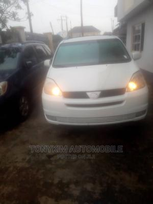 Toyota Sienna 2004 XLE AWD (3.3L V6 5A) White   Cars for sale in Lagos State, Amuwo-Odofin