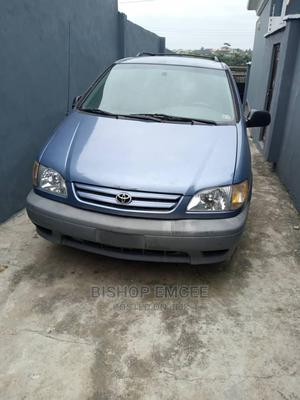 Toyota Sienna 2000 LE & 1 Hatch Blue | Cars for sale in Lagos State, Ipaja