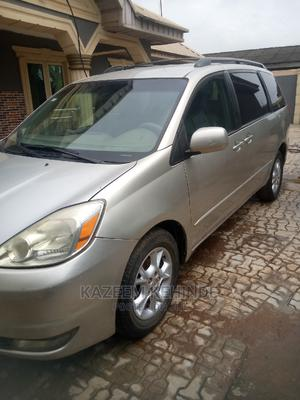 Toyota Sienna 2005 XLE Silver   Cars for sale in Lagos State, Gbagada