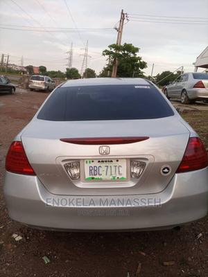 Honda Accord 2006 2.0 Comfort Silver | Cars for sale in Abuja (FCT) State, Karu