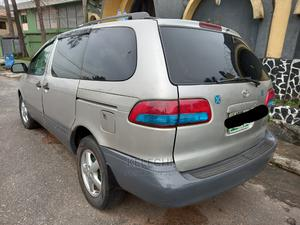 Toyota Sienna 2002 LE Silver | Cars for sale in Lagos State, Ojodu