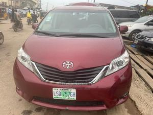 Toyota Sienna 2010 LE 8 Passenger Red   Cars for sale in Lagos State, Ikeja