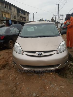 Toyota Sienna 2006 LE AWD Gold   Cars for sale in Lagos State, Ikorodu