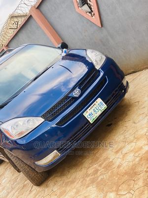 Toyota Sienna 2004 LE AWD (3.3L V6 5A) Blue | Cars for sale in Lagos State, Ikorodu