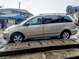 Toyota Sienna 2005 LE AWD Silver   Cars for sale in Lagos State, Ogba