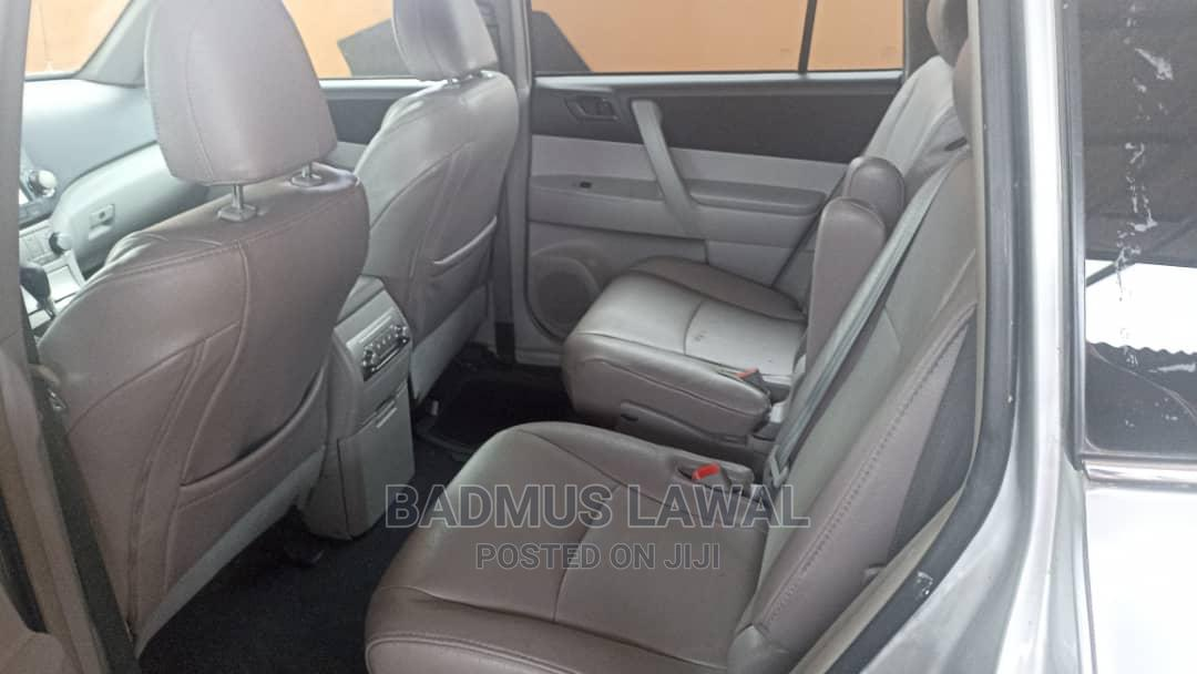 Toyota Highlander 2011 Limited Silver | Cars for sale in Surulere, Lagos State, Nigeria