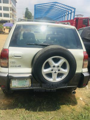 Toyota RAV4 2002 Gold | Cars for sale in Lagos State, Ojodu