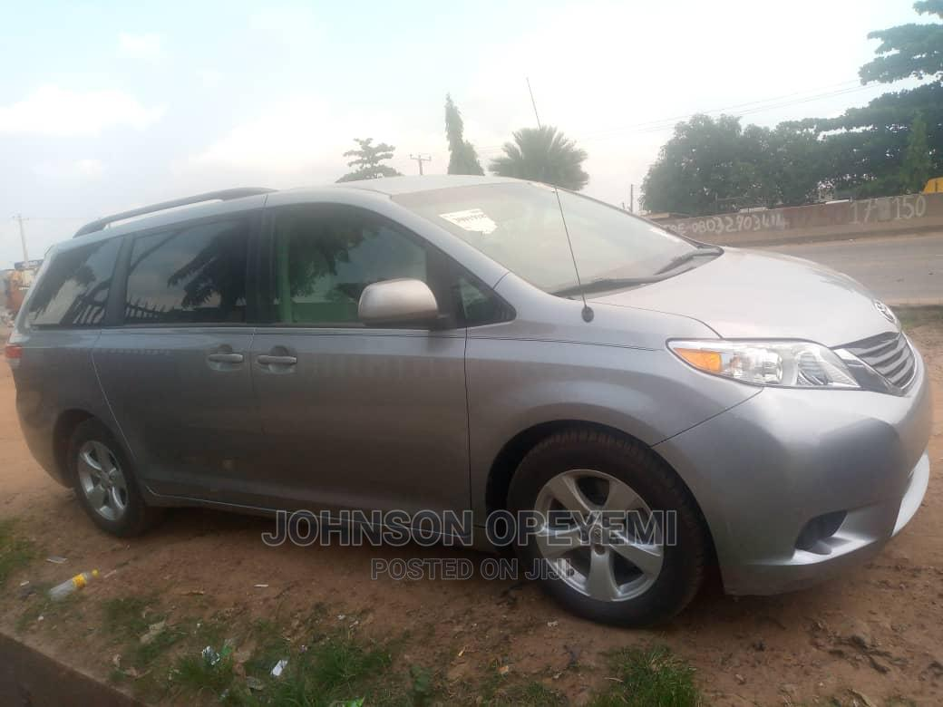 Toyota Sienna 2011 LE 7 Passenger Mobility Gray | Cars for sale in Abule Egba, Lagos State, Nigeria