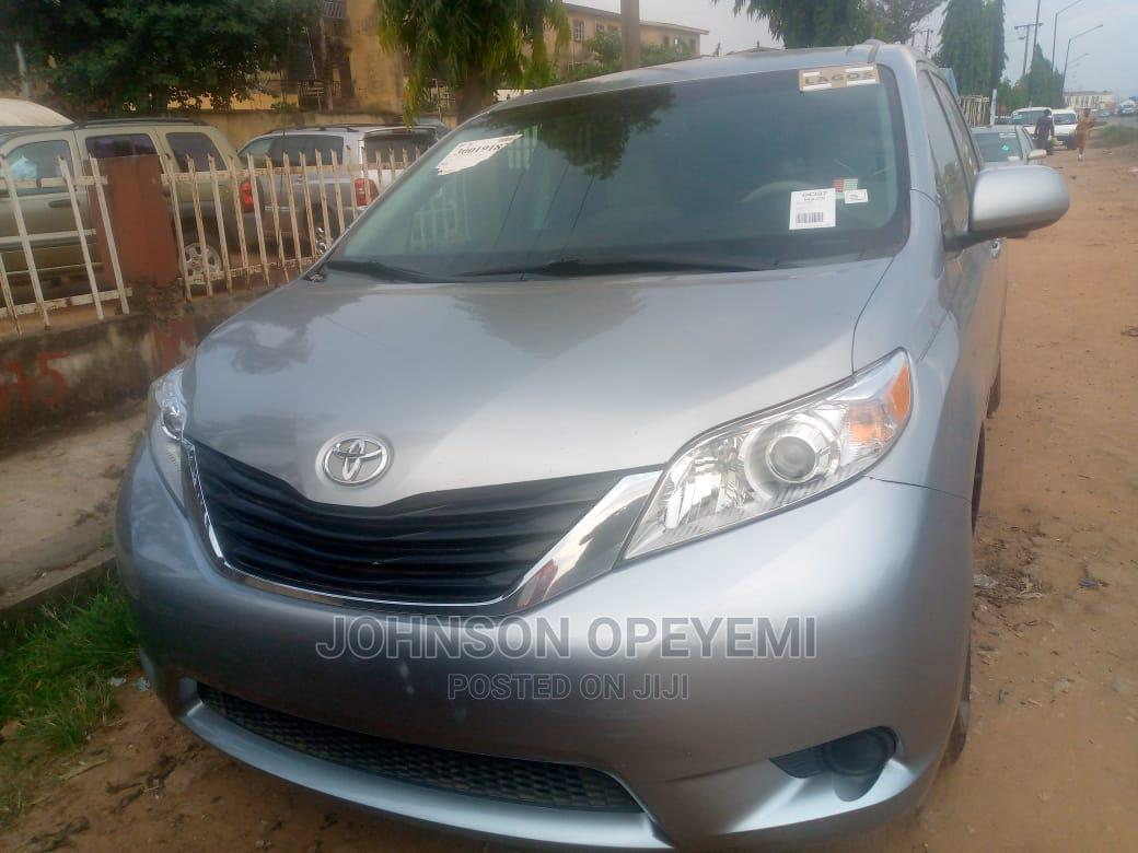 Toyota Sienna 2011 LE 7 Passenger Mobility Gray