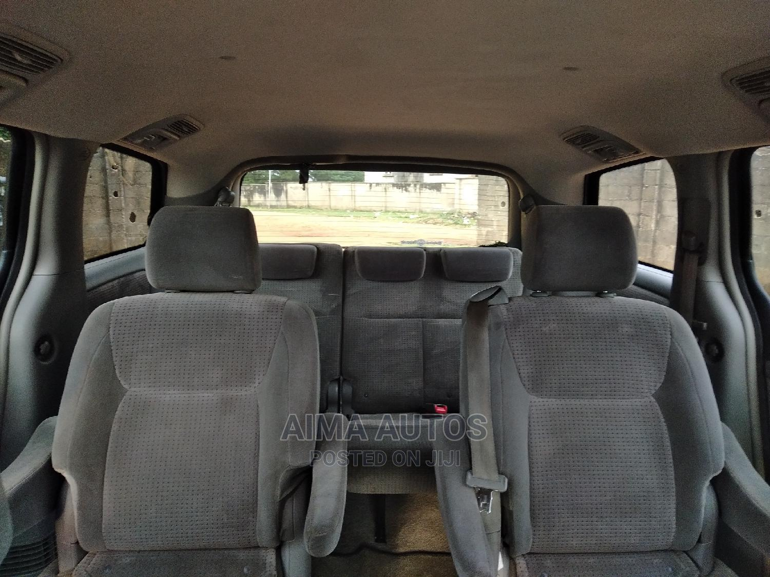 Archive: Toyota Sienna 2008 LE Blue