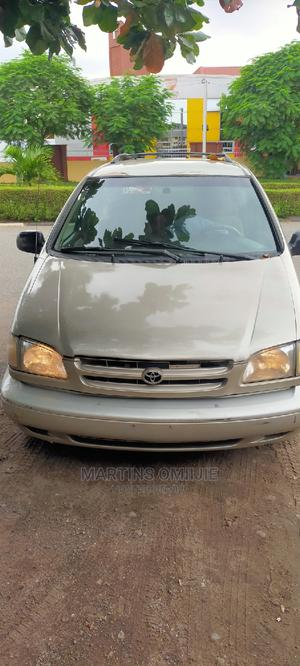 Toyota Sienna 2000 Gold | Cars for sale in Lagos State, Ikeja