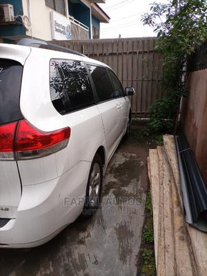 Toyota Sienna 2013 LE FWD 8-Passenger White | Cars for sale in Lagos State, Ikeja