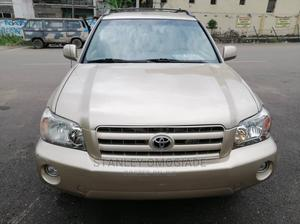 Toyota Highlander 2006 Gold   Cars for sale in Lagos State, Yaba