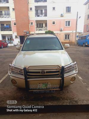 Toyota Highlander 2004 Limited V6 4x4 Gold | Cars for sale in Lagos State, Abule Egba