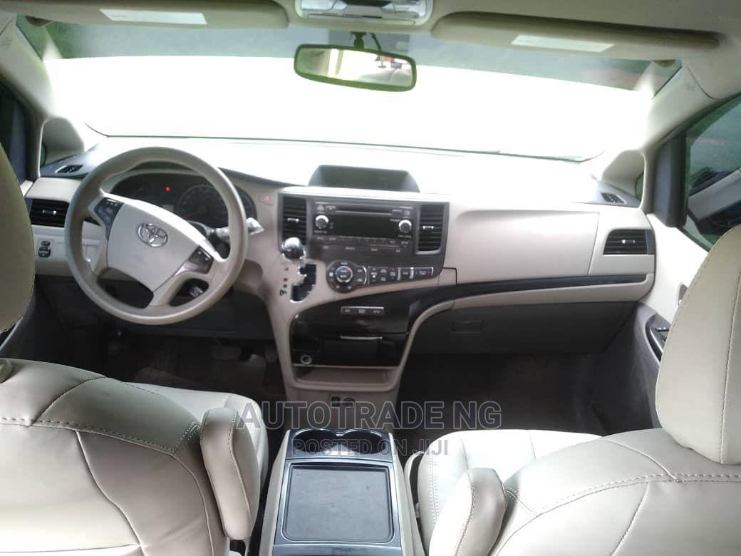 Toyota Sienna 2013 LE FWD 8-Passenger Red   Cars for sale in Wuse, Abuja (FCT) State, Nigeria