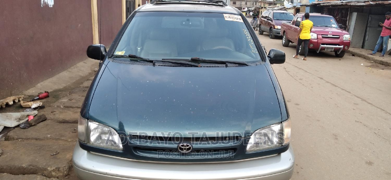 Toyota Sienna 1999 CE Green | Cars for sale in Ojodu, Lagos State, Nigeria