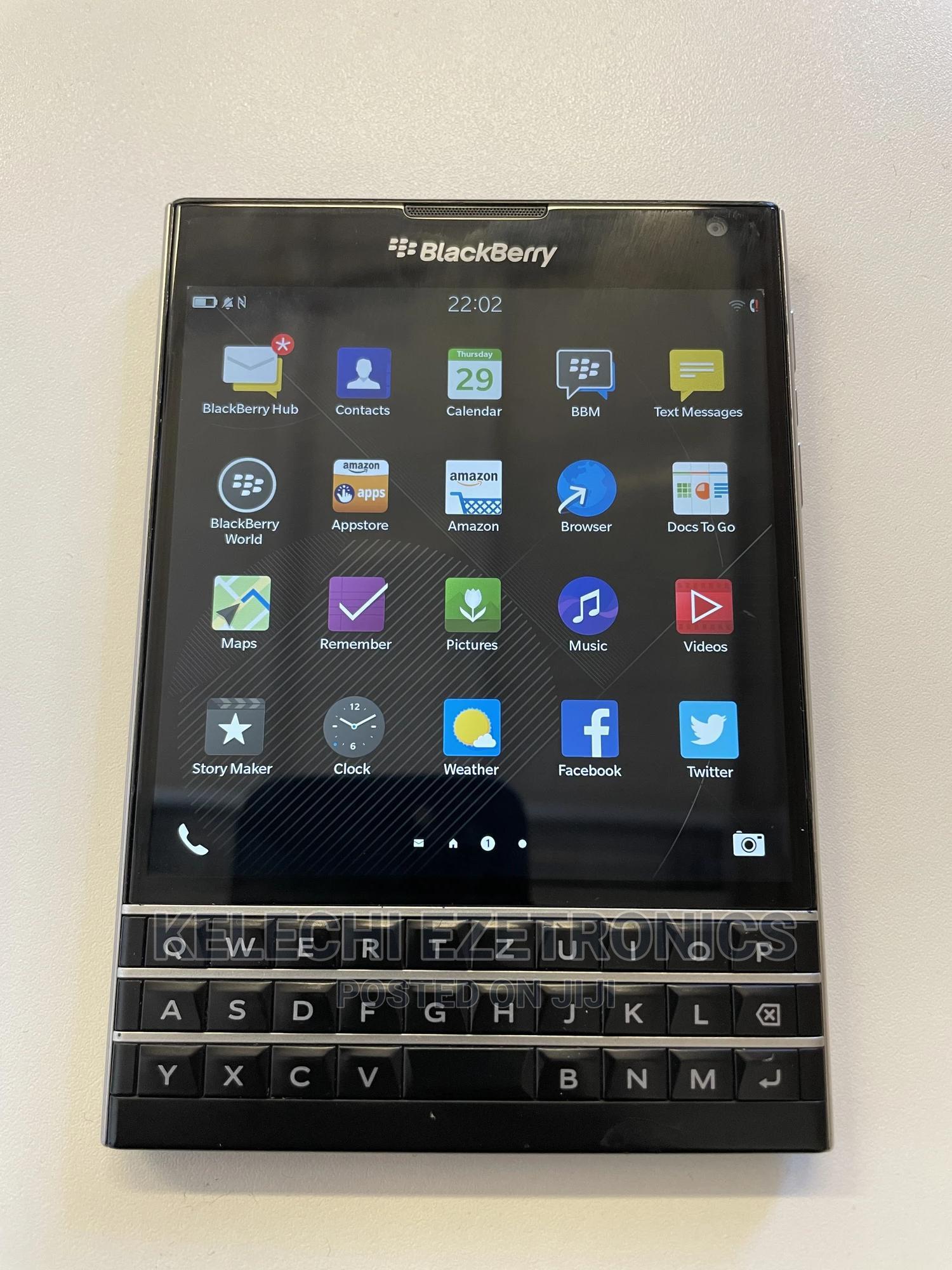 BlackBerry Passport 32 GB Black