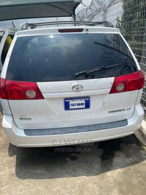 Toyota Sienna 2006 LE FWD White | Cars for sale in Lagos State, Ikeja