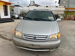 Toyota Sienna 2002 XLE Silver | Cars for sale in Lagos State, Ikeja