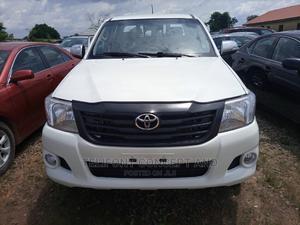 Toyota Hilux 2013 SR 4x4 White | Cars for sale in Abuja (FCT) State, Kubwa