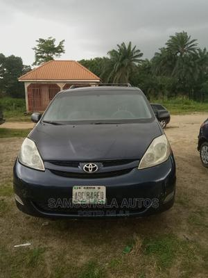 Toyota Sienna 2006 Blue | Cars for sale in Abuja (FCT) State, Karu
