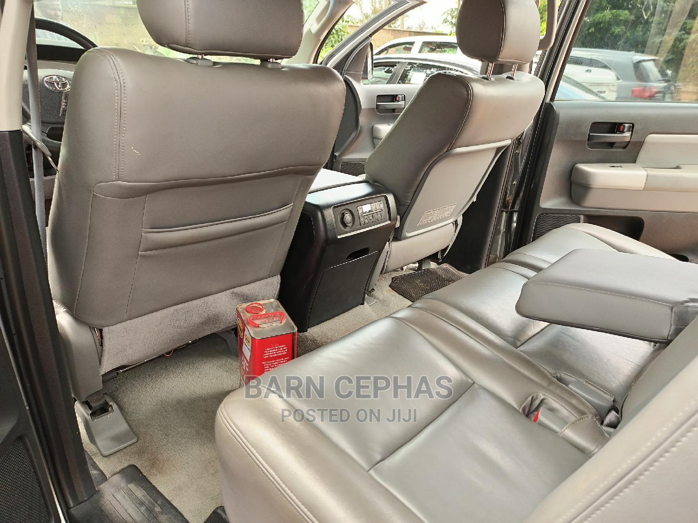 Archive: Toyota Sequoia 2010 Gray