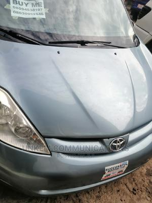 Toyota Sienna 2009 LE Blue | Cars for sale in Abuja (FCT) State, Wuse 2