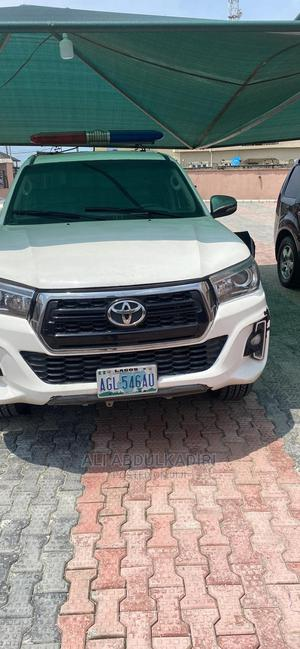 Toyota Hilux 2015 SR 4x4 White | Cars for sale in Lagos State, Ajah