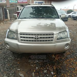 Toyota Highlander 2003 Limited V6 AWD Gold   Cars for sale in Abuja (FCT) State, Gwarinpa