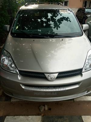 Toyota Sienna 2005 XLE AWD Gold | Cars for sale in Lagos State, Ikeja