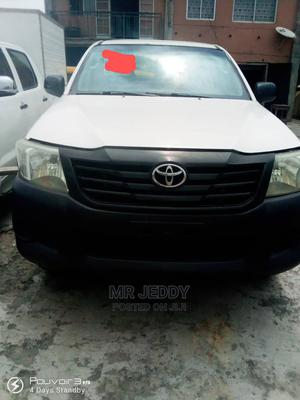 Toyota Hilux 2008 2.5 D-4d Double Cab White | Cars for sale in Lagos State, Agboyi/Ketu