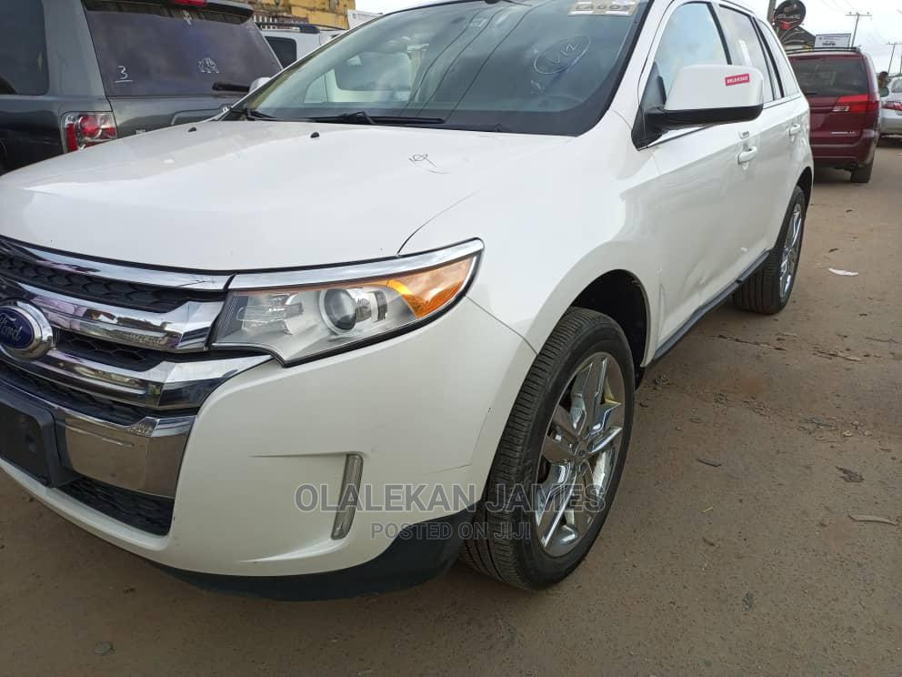 Archive: Ford Edge 2011 White