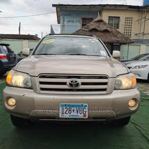 Toyota Highlander 2004 Limited V6 4x4 Gold | Cars for sale in Lagos State, Ilupeju