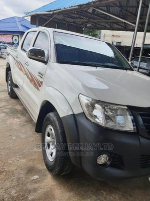 Toyota Hilux 2014 SR5 4x4 White | Cars for sale in Akwa Ibom State, Uyo