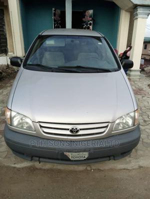 Toyota Sienna 2003 CE Silver | Cars for sale in Lagos State, Ojo