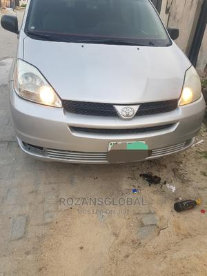 Toyota Sienna 2005 Gold | Cars for sale in Lagos State, Lekki