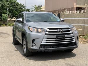 Toyota Highlander 2017 XLE 4x4 V6 (3.5L 6cyl 8A) Gray | Cars for sale in Abuja (FCT) State, Garki 2