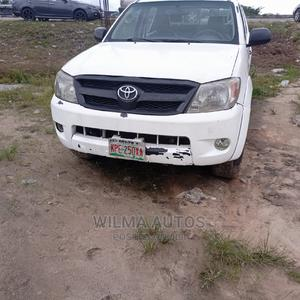 Toyota Hilux 2008 2.5 D-4d Double Cab White | Cars for sale in Delta State, Warri