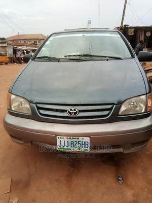 Toyota Sienna 2001 Green | Cars for sale in Lagos State, Ejigbo