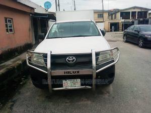 Toyota Hilux 2008 2.7 VVTi 4x4 SRX White | Cars for sale in Lagos State, Ikeja