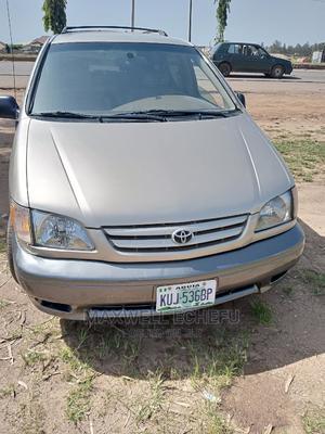 Toyota Sienna 2001 CE Gold   Cars for sale in Kaduna State, Kaduna / Kaduna State
