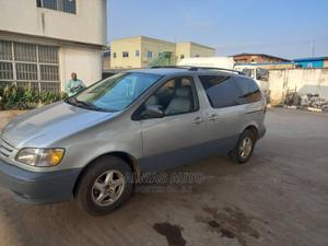 Toyota Sienna 2002 Gold   Cars for sale in Lagos State, Abule Egba