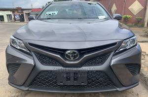 Toyota Camry 2018 SE FWD (2.5L 4cyl 8AM) Gray   Cars for sale in Lagos State, Ikeja