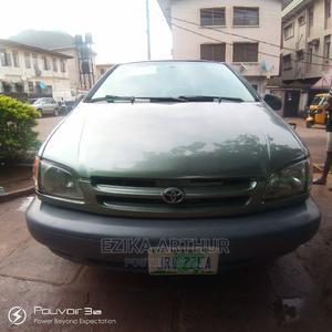 Toyota Sienna 2001 LE Green   Cars for sale in Enugu State, Enugu