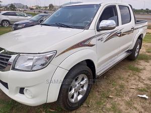 Toyota Hilux 2012 2.0 VVT-i SRX White | Cars for sale in Abuja (FCT) State, Kubwa