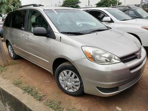 Toyota Sienna 2005 Silver | Cars for sale in Lagos State, Ikeja